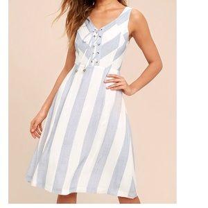NWOT Lulus stripe summer dress tie front XS